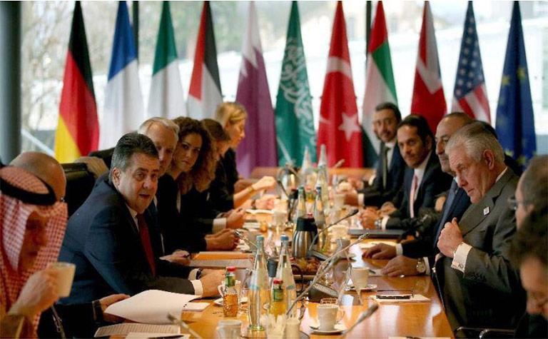 سعادة وزير الخارجية يشارك في اجتماع أصدقاء سوريا