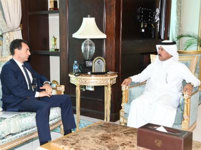 الأمين العام لوزارة الخارجية يجتمع مع سفير فرنسا