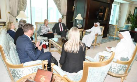 الأمين العام لوزارة الخارجية يجتمع مع وفد من البرلمان الأسترالي