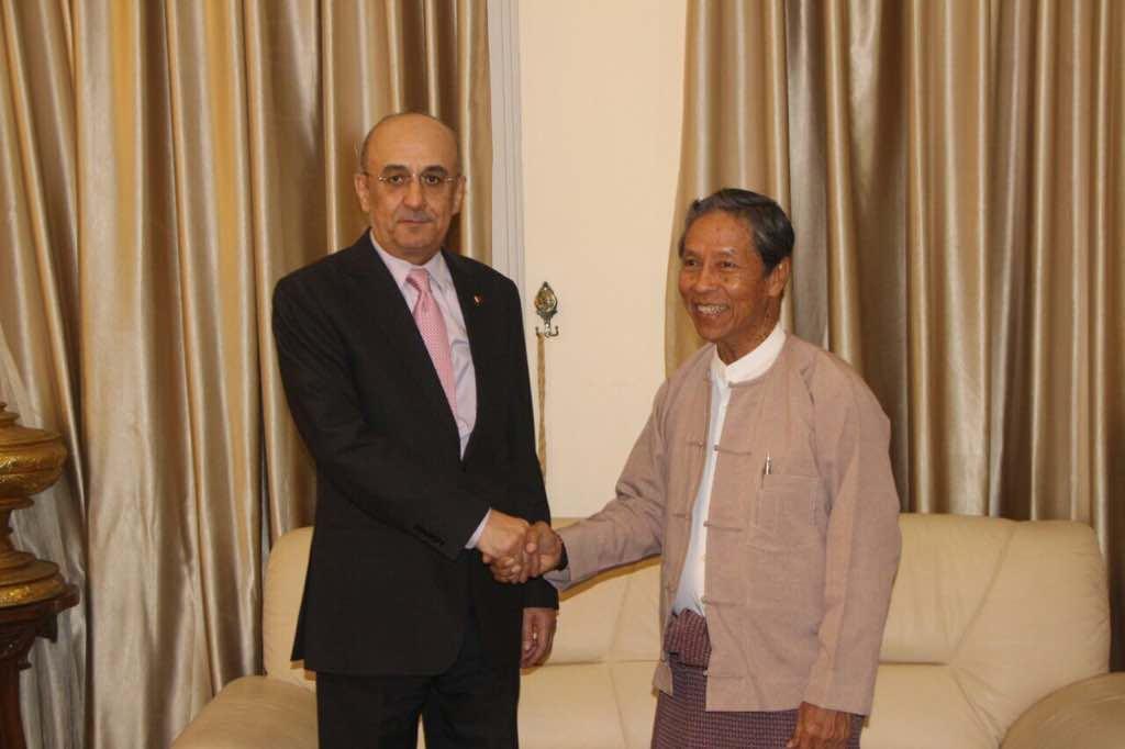 الوزير الاتحادي للتخطيط والمالية بجمهورية اتحاد ميانمار يجتمع مع سفير قطر