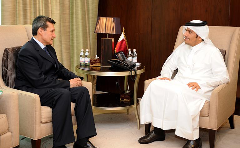 سعادة وزير الخارجية يجتمع مع نائب رئيس الوزراء وزير الخارجية التركماني