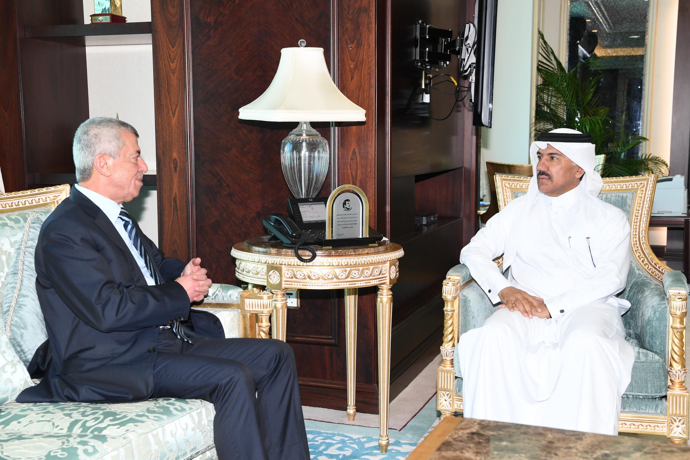 الأمين العام لوزارة الخارجية يجتمع مع سفير لبنان