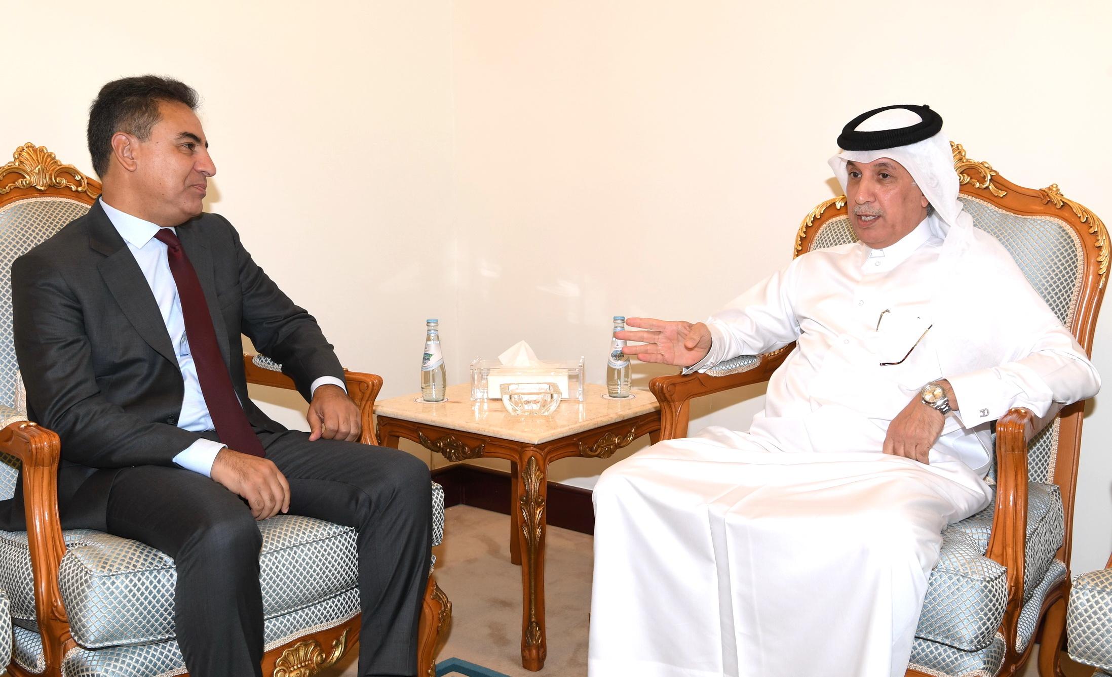 وزير الدولة للشؤون الخارجية يجتمع مع سفيري المغرب واليابان