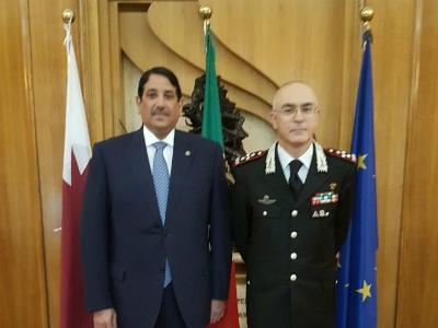 القائد العام الجديد لقوات سلاح الدرك الإيطالي يجتمع مع سفير قطر