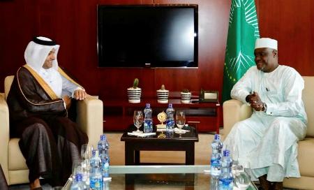 المبعوث الخاص لوزير الخارجية يجتمع مع رئيس مفوضية الاتحاد الإفريقي