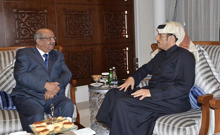 سعادة وزير الخارجية يجتمع مع وزير الشؤون المغاربية والاتحاد الإفريقي الجزائري