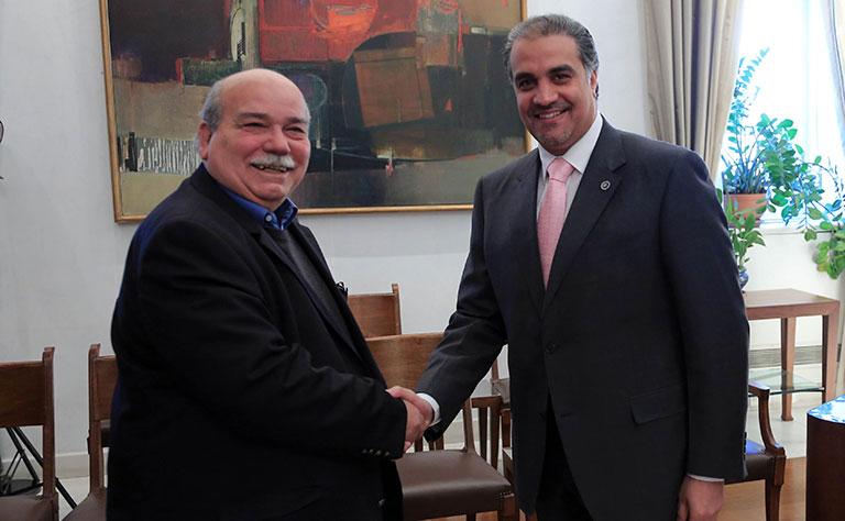 رئيس البرلمان اليوناني يجتمع مع سفير دولة قطر