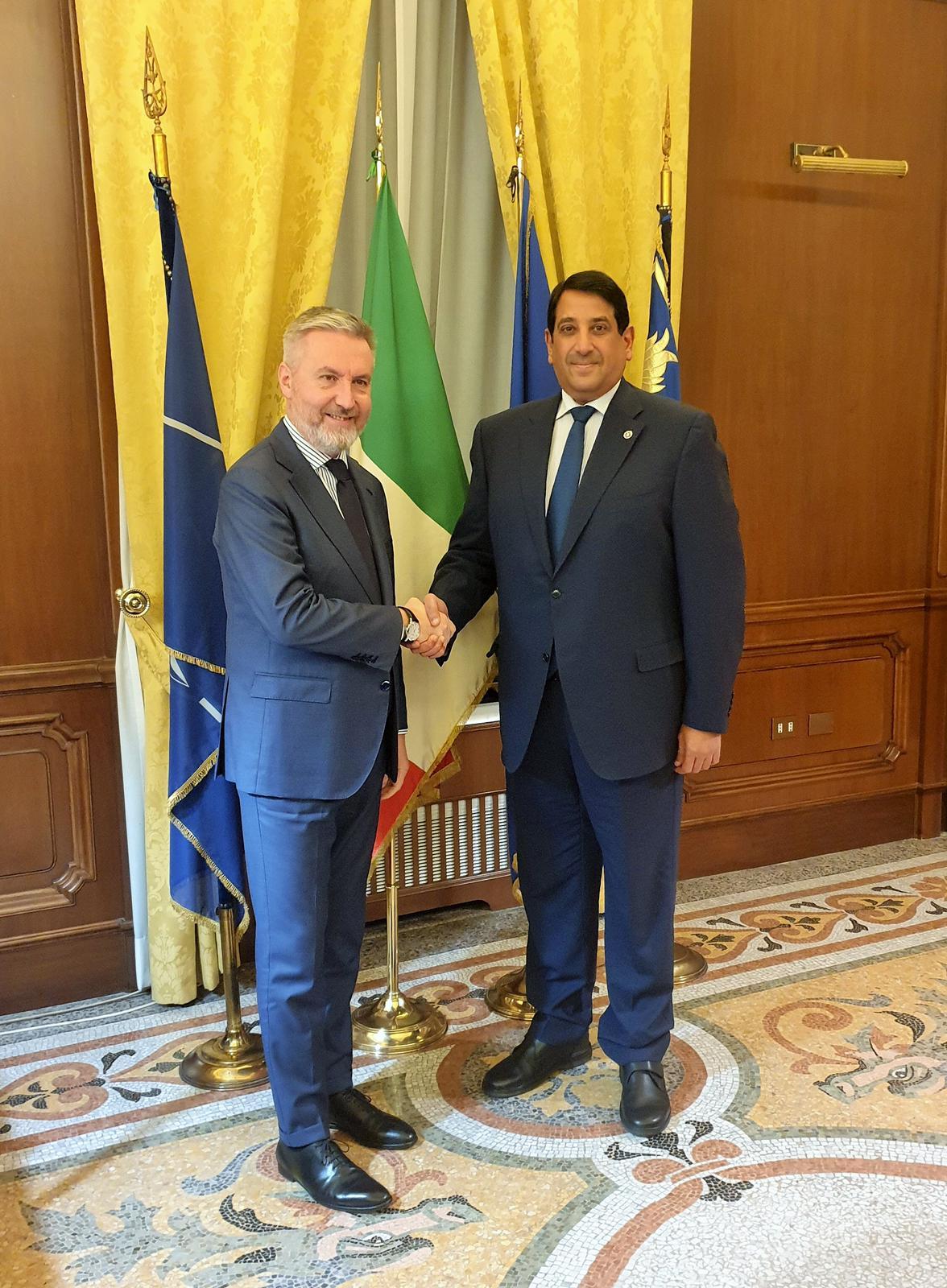 رسالة من نائب رئيس مجلس الوزراء وزير الخارجية إلى وزير الدفاع الإيطالي