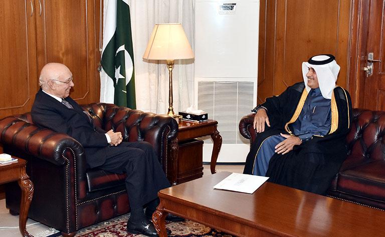 رسالة من وزير الخارجية إلى مستشار رئيس وزراء باكستان للشؤون الخارجية