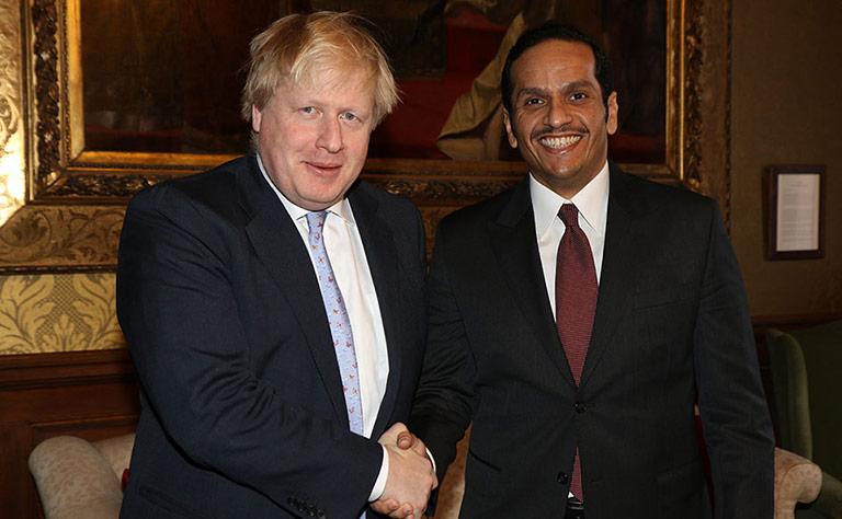 سعادة وزير الخارجية يجتمع مع نظيره البريطاني