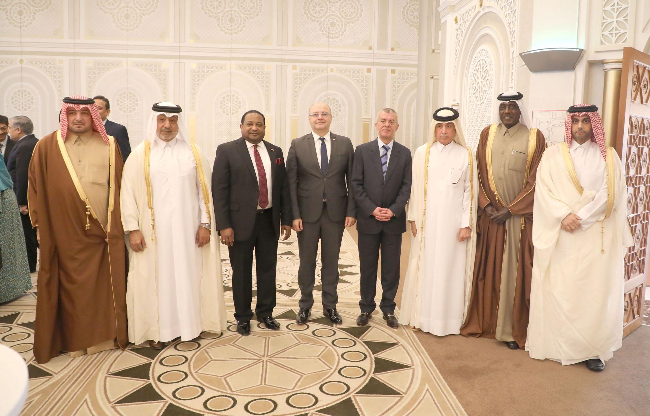 وزير الدولة للشؤون الخارجية يقيم حفل وداع لسفراء لبنان وبلغاريا وسريلانكا