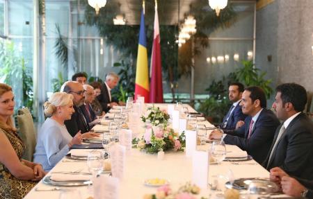 رئيسة وزراء رومانيا تقيم مأدبة عشاء على شرف نائب رئيس مجلس الوزراء وزير الخارجية
