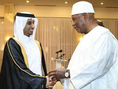 رئيس مالي يستقبل القائم بالأعمال القطري