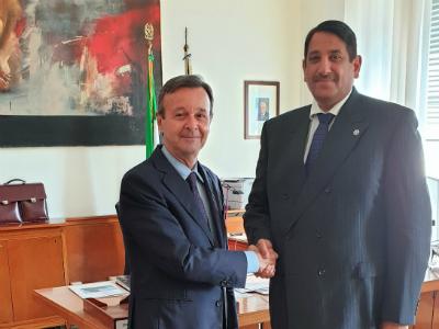 رسالة من نائب رئيس مجلس الوزراء وزير الخارجية لوزير الشؤون الخارجية الإيطالي