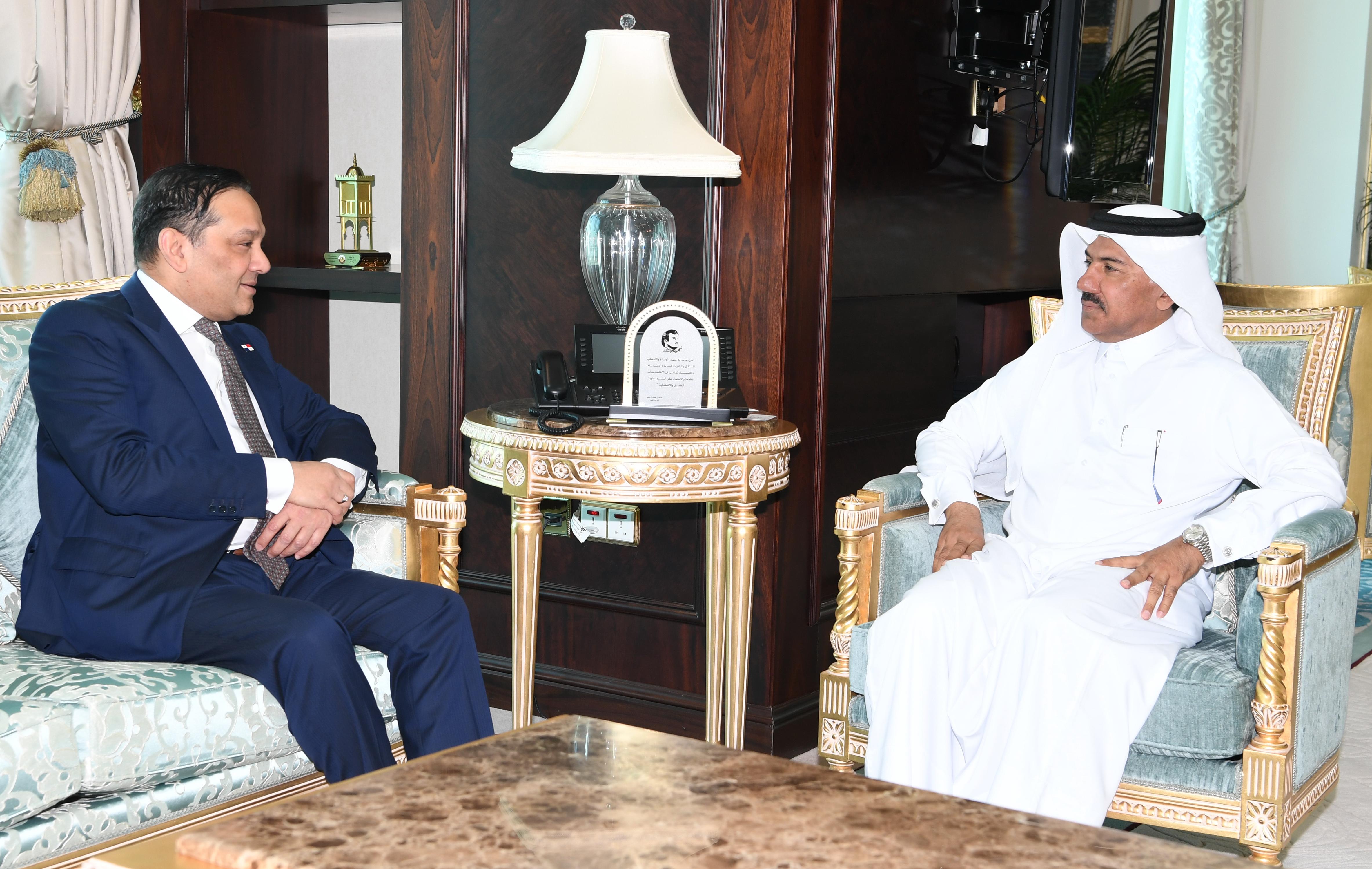 الأمين العام لوزارة الخارجية يجتمع مع سفير بنما