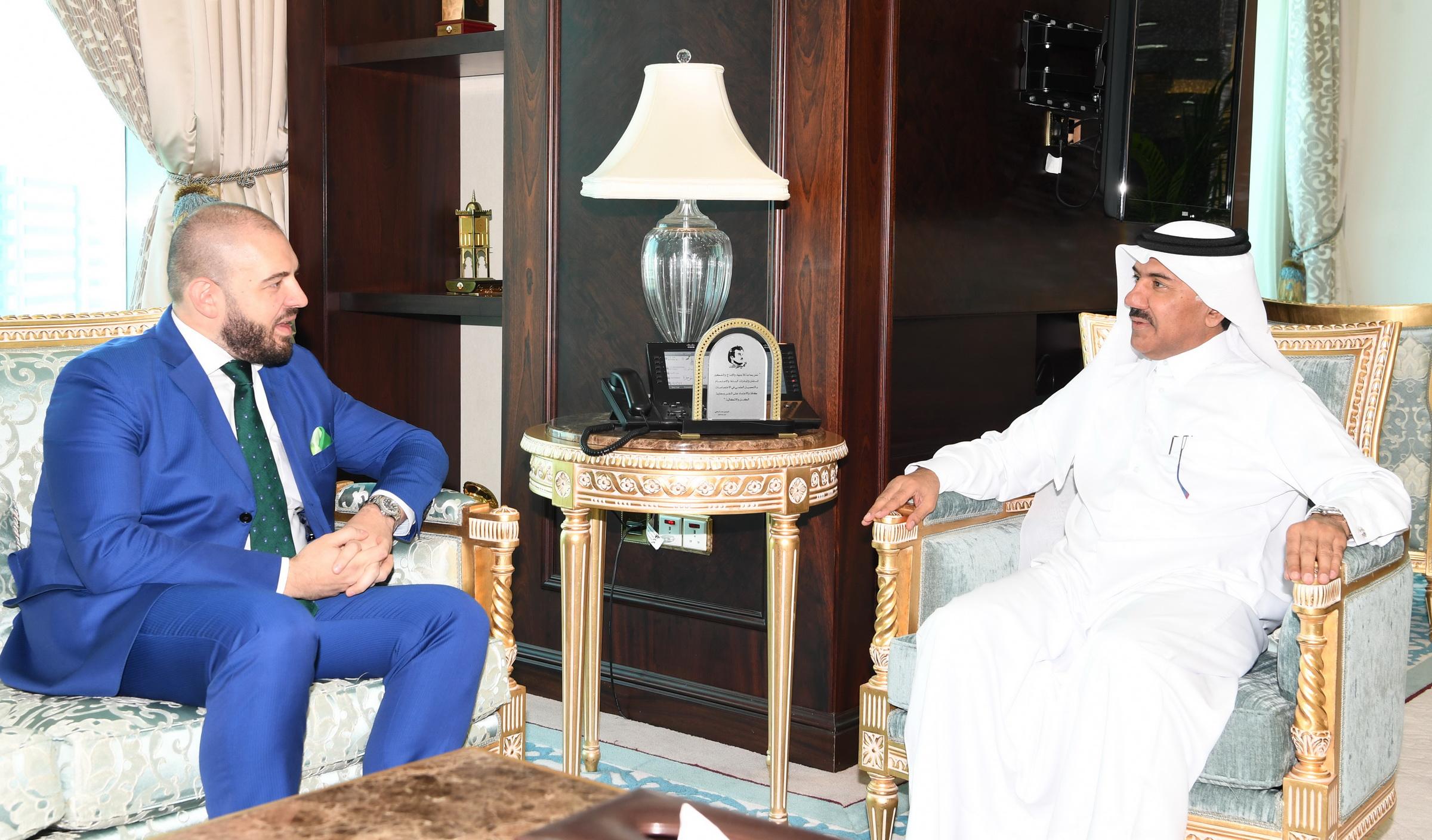 الأمين العام لوزارة الخارجية يجتمع مع سفير رومانيا