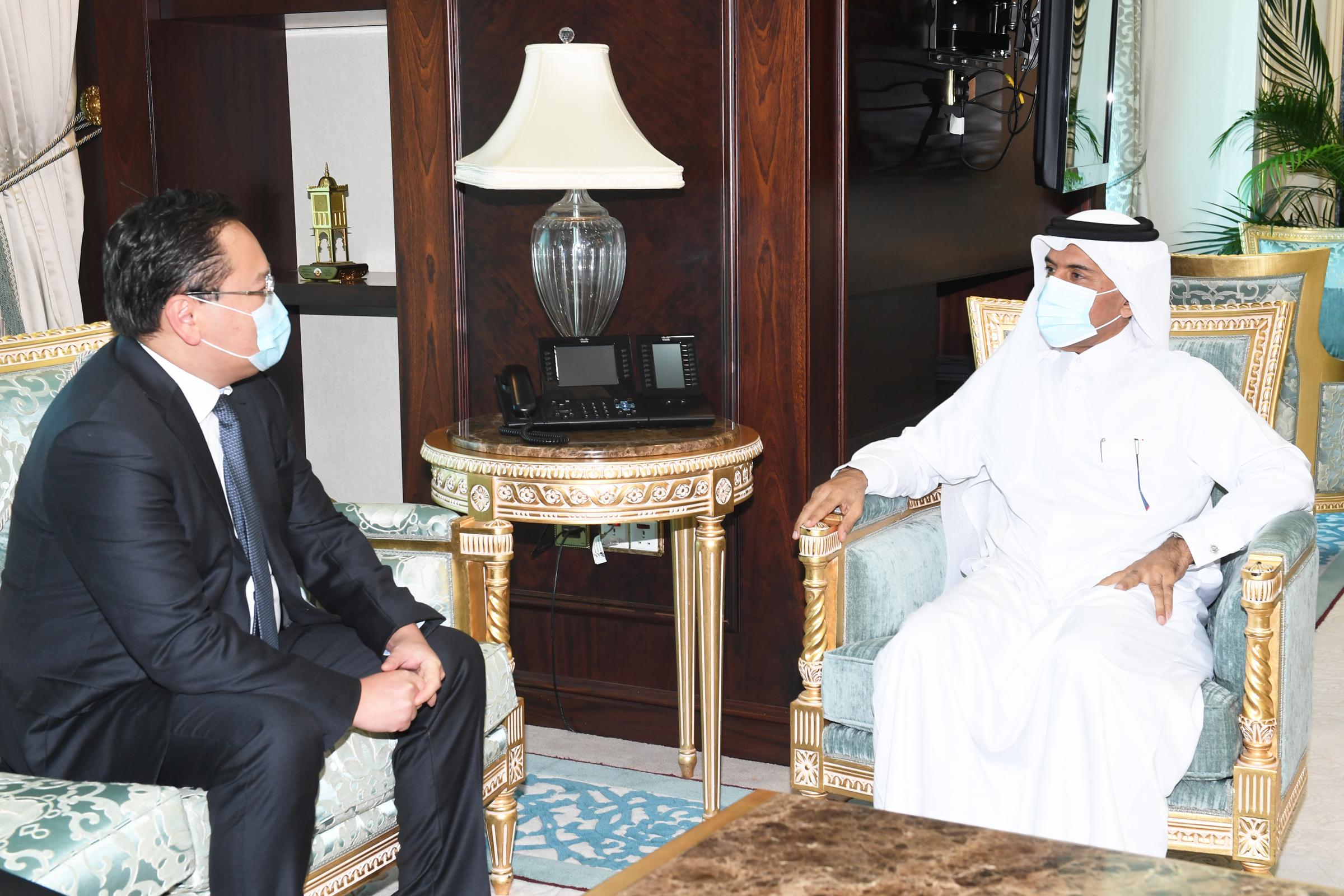 الأمين العام لوزارة الخارجية يجتمع مع سفير منغوليا
