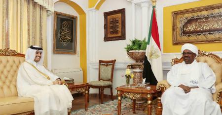 سمو الأمير يبعث برسالة شفوية إلى الرئيس السوداني