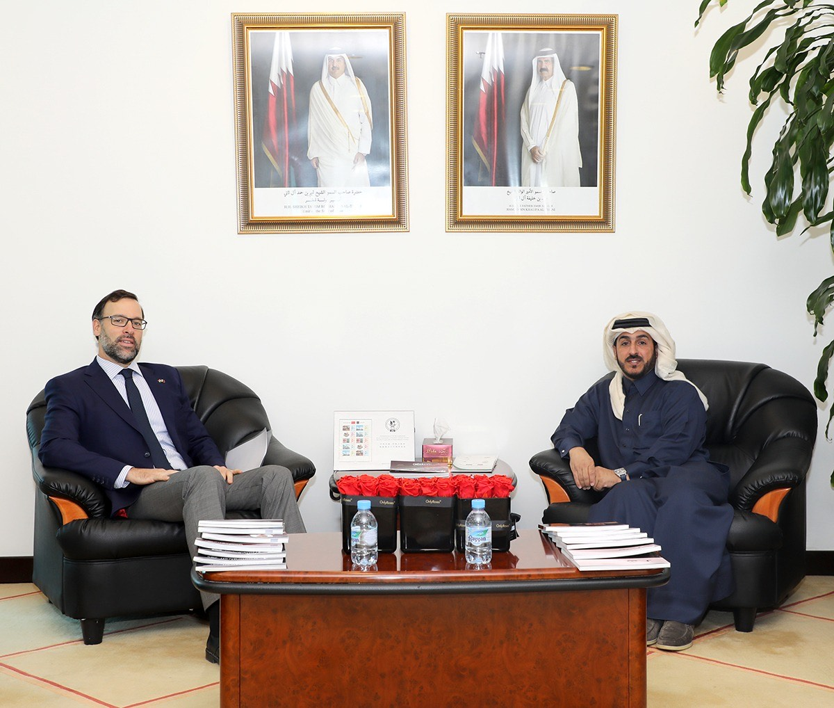 مدير المعهد الدبلوماسي بوزارة الخارجية يجتمع مع سفير هنغاريا