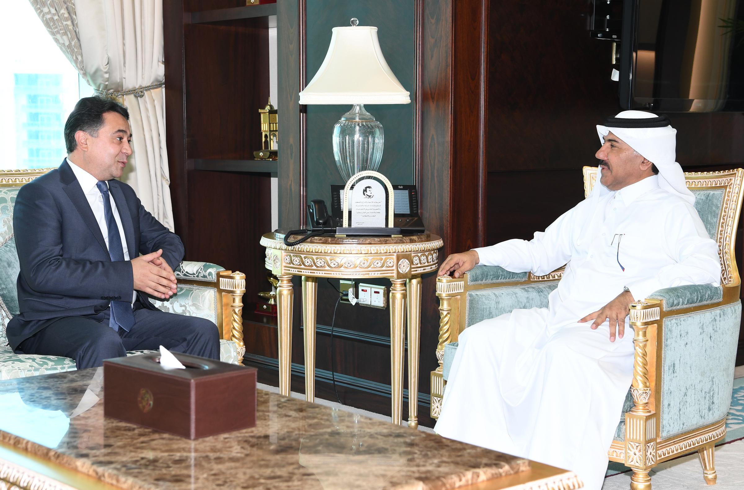 الأمين العام لوزارة الخارجية يجتمع مع سفير طاجيكستان