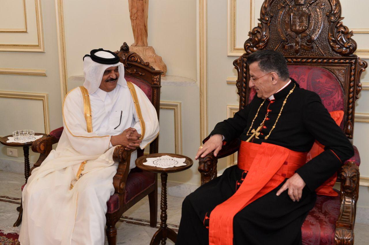 البطريرك الماروني اللبناني يجتمع مع سفير قطر