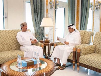 نائب رئيس مجلس الوزراء وزير الخارجية يتلقى رسالة خطية من الوزير المسؤول عن الشؤون الخارجية العماني