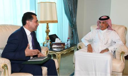 نائب رئيس مجلس الوزراء وزير الخارجية يتلقى رسالة خطية من وزير خارجية طاجيكستان
