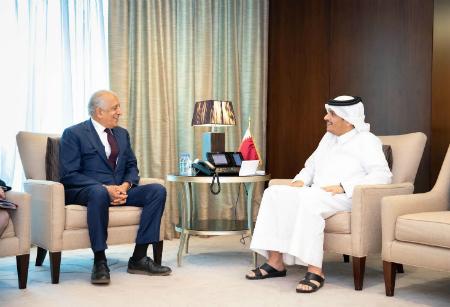 نائب رئيس مجلس الوزراء وزير الخارجية يجتمع مع المبعوث الأمريكي الخاص إلى أفغانستان