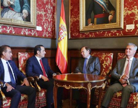 نائب رئيس مجلس الوزراء وزير الخارجية يجتمع مع رئيس مجلس الشيوخ الإسباني