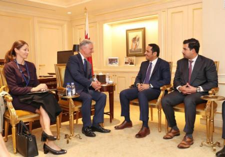 نائب رئيس مجلس الوزراء وزير الخارجية يجتمع مع مبعوث الرئيس الأمريكي لشؤون الرهائن، ومدير مجموعة الأزمات الدولية