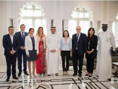 نائب رئيس مجلس الوزراء وزير الخارجية يجتمع مع وفد جمعية الصداقة القطرية الأوروبية