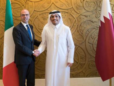 نائب رئيس مجلس الوزراء وزير الخارجية يلتقي وزير الخارجية الإيطالي