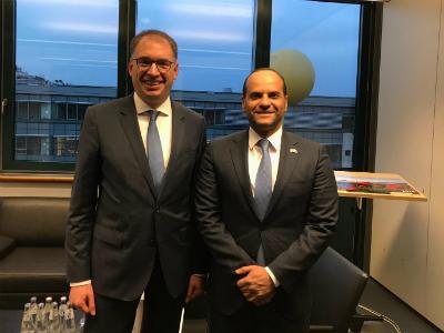 وزير الدولة للشؤون الخارجية الألماني يجتمع مع سفير قطر