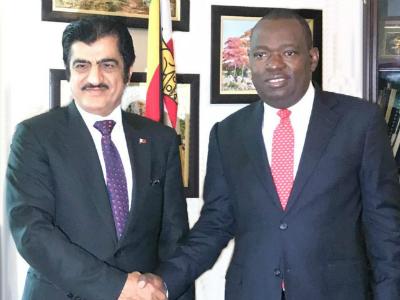 وزير خارجية زيمبابوي يتسلم نسخة من أوراق اعتماد سفير قطر