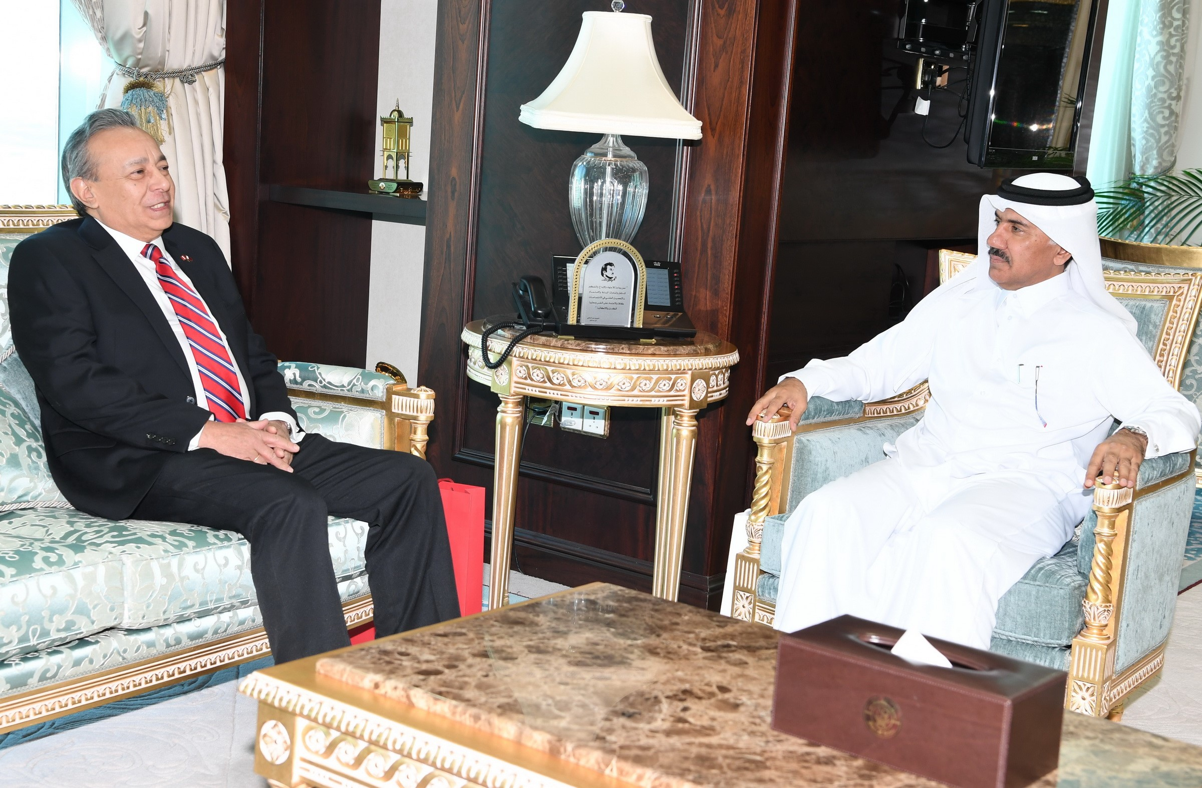 Deputy Prime Minister and Minister of Foreign Affairs Receives Message from Peru FM