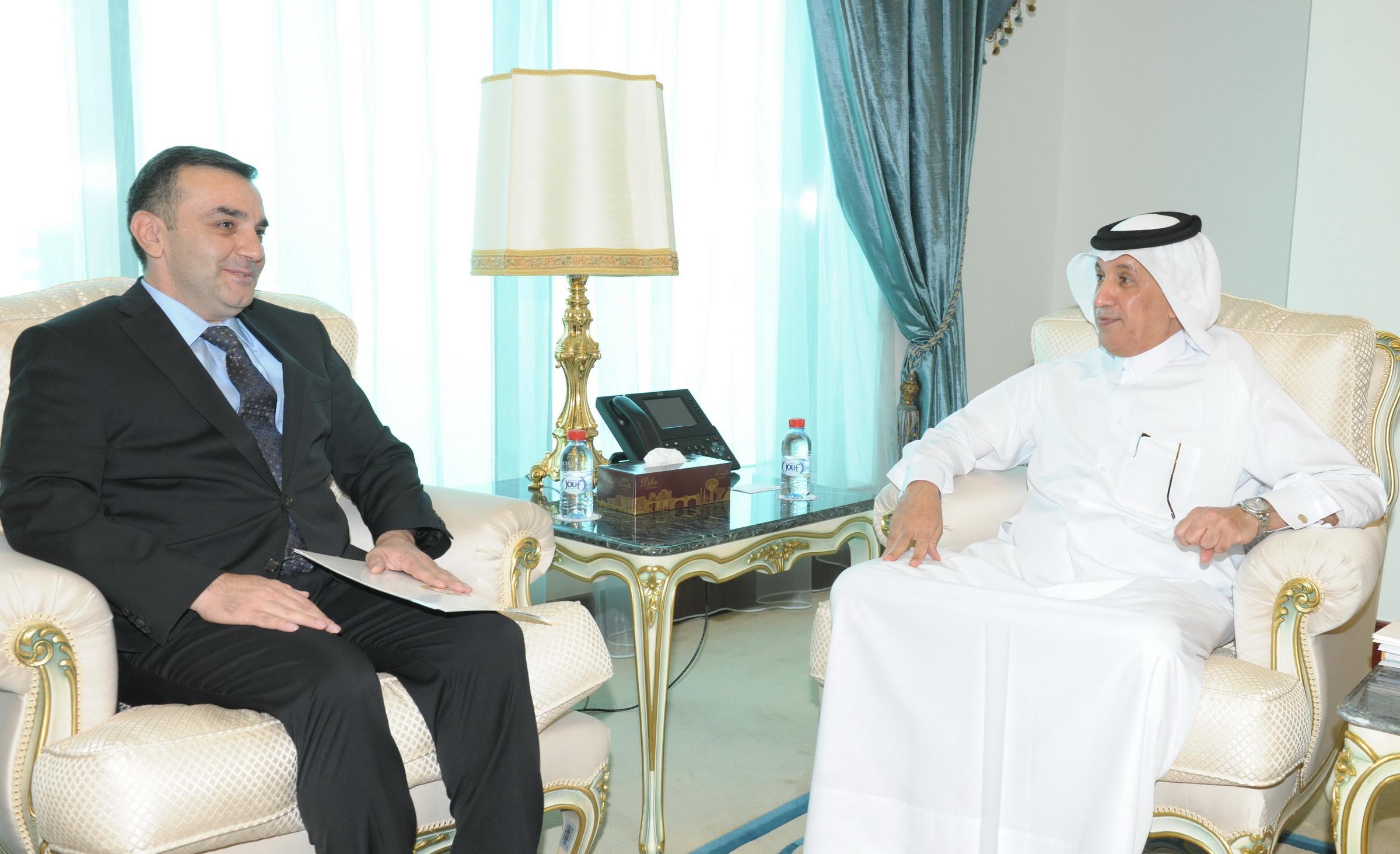 نائب رئيس مجلس الوزراء وزير الخارجية يتلقى رسالة خطية من وزير خارجية أذربيجان