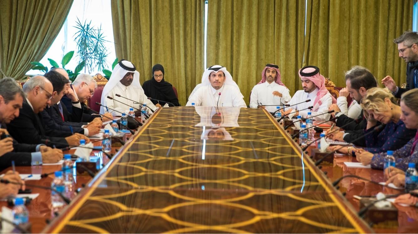 نائب رئيس مجلس الوزراء وزير الخارجية يجتمع مع وفد الجمعية البرلمانية لحلف