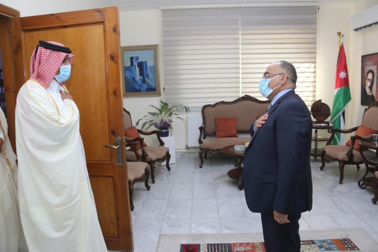 وزير الثقافة الأردني يجتمع مع سفير دولة قطر