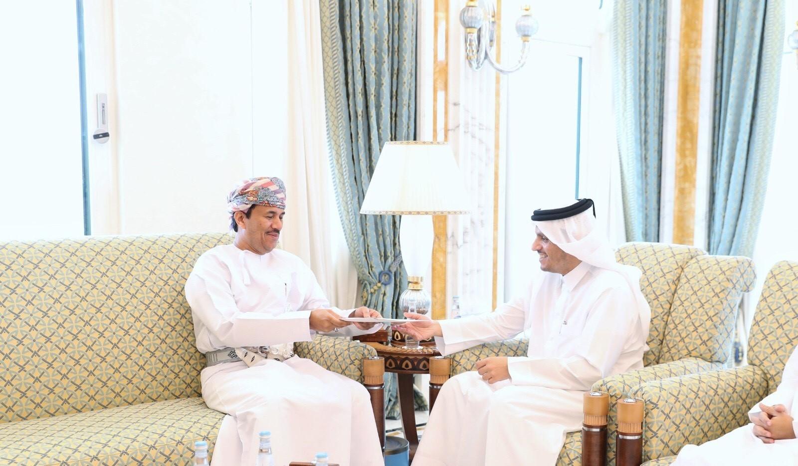 نائب رئيس مجلس الوزراء وزير الخارجية يتسلم رسالة من الوزير المسؤول عن الشؤون الخارجية بسلطنة عمان
