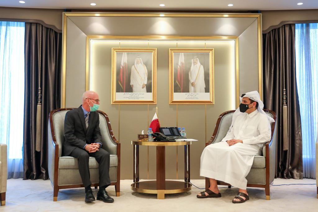 نائب رئيس مجلس الوزراء وزير الخارجية يجتمع مع رئيس بعثة الأمم المتحدة للمساعدة في الصومال