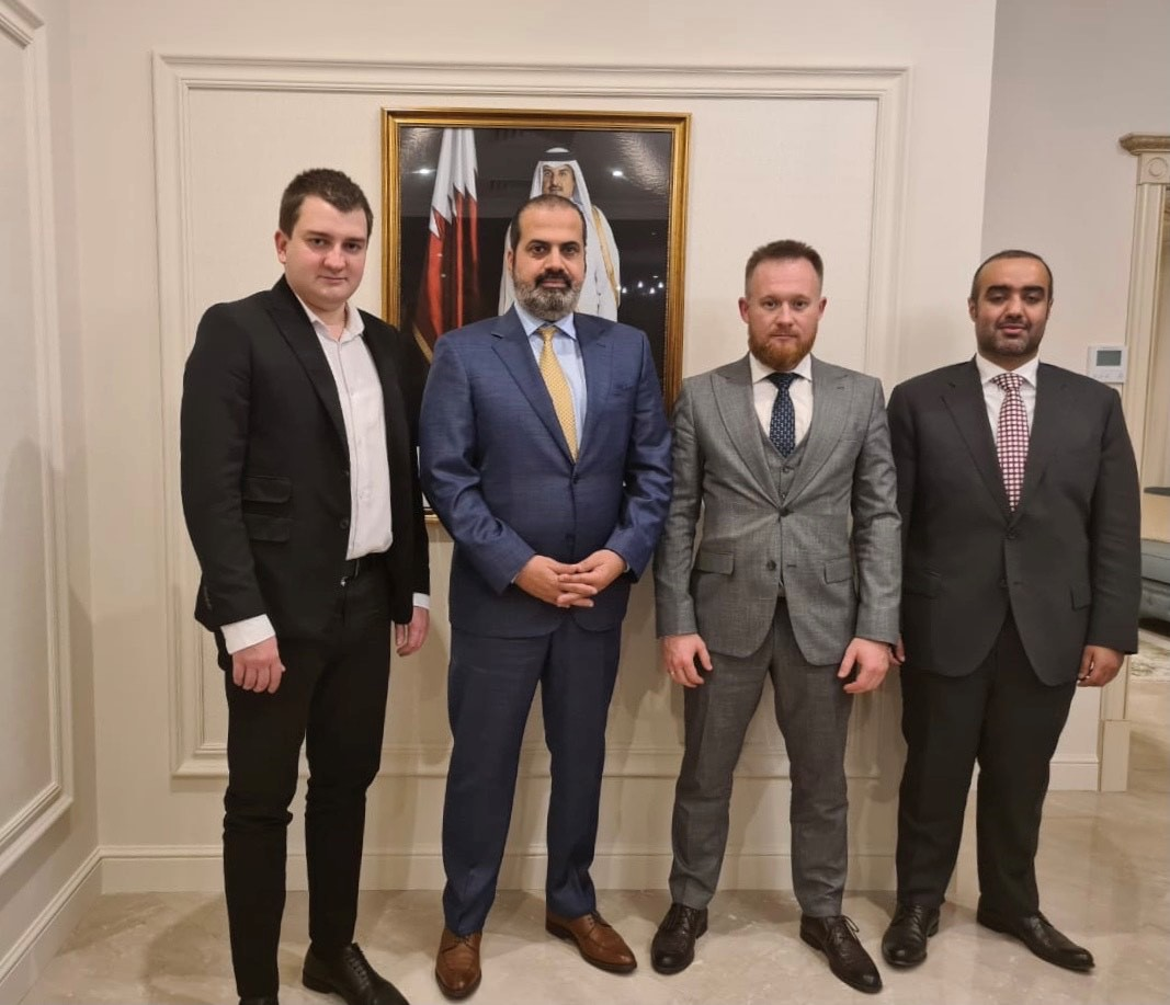سفير قطر يجتمع مع رئيس لجنة الصداقة البرلمانية بين قطر وأوكرانيا