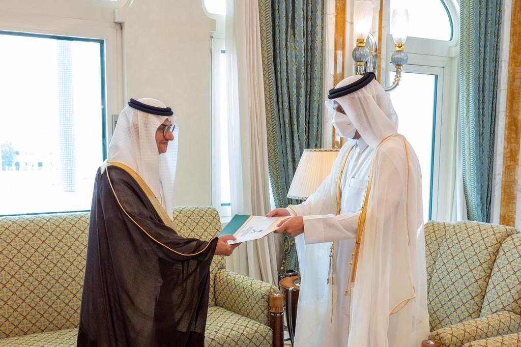 نائب رئيس مجلس الوزراء وزير الخارجية يتسلم نسخة من أوراق اعتماد السفير السعودي