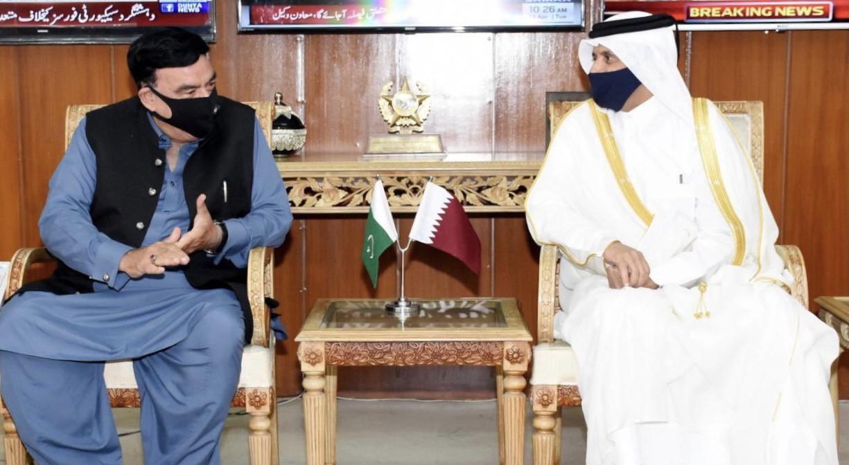 وزير الداخلية الباكستاني يجتمع مع سفير دولة قطر