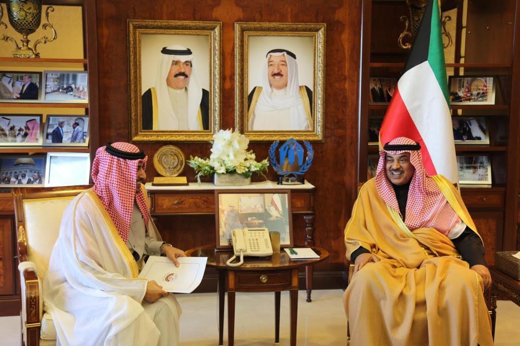 رسالة من نائب رئيس مجلس الوزراء وزير الخارجية إلى نظيره الكويتي