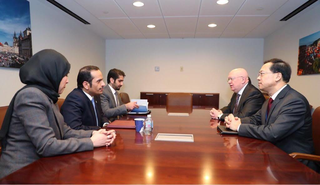 نائب رئيس مجلس الوزراء وزير الخارجية يجتمع مع المندوبين الدائمين لروسيا والصين لدى الأمم المتحدة