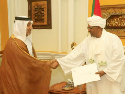 HH The Emir Sends Written Message to President of Sudan