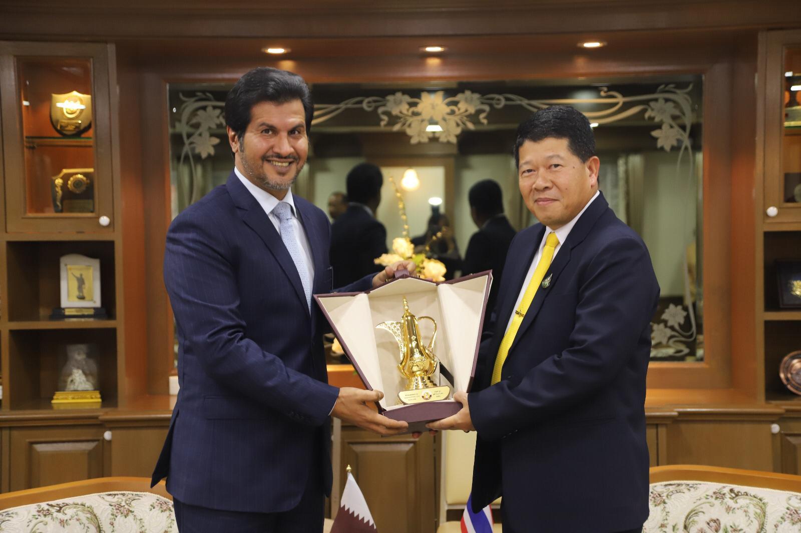 الأمين العام لمجلس الأمن الوطني التايلاندي يجتمع مع سفير دولة قطر