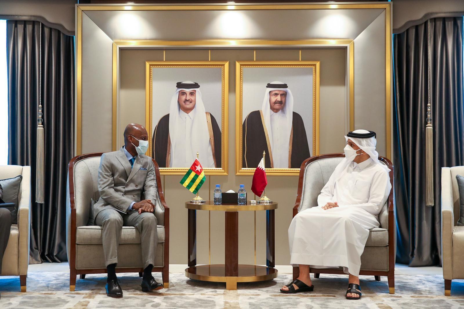 نائب رئيس مجلس الوزراء وزير الخارجية يجتمع مع وزير خارجية توغو