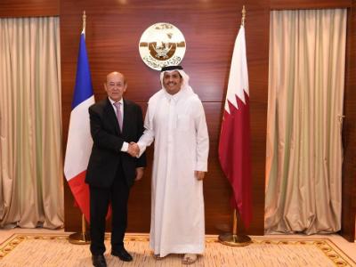 وزير الخارجية يجتمع مع نظيره الفرنسي