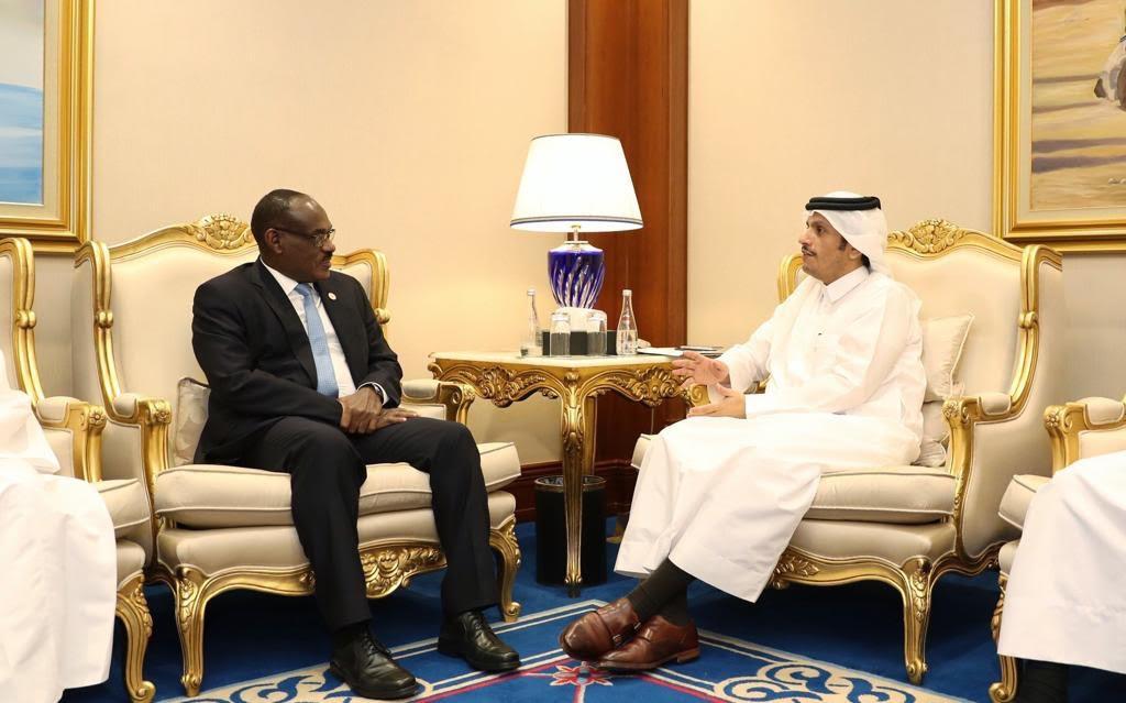 نائب رئيس مجلس الوزراء وزير الخارجية يجتمع مع عدد من الوزراء المشاركين في منتدى الدوحة